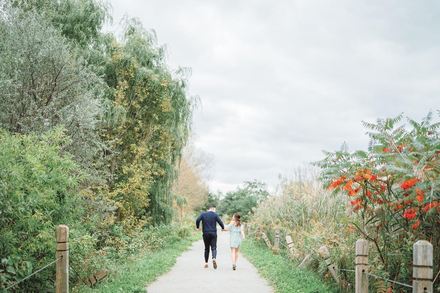 Running_Scarborough_Bluffs_Beach_Fall_Toronto_Engagement_Photos-Rhythm_Photography
