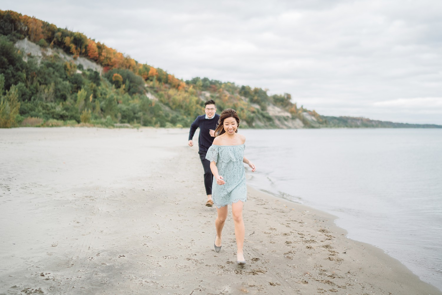 Chinese_Scarborough_Bluffs_Beach_Fall_Toronto_Engagement_Photos-Rhythm_Photography