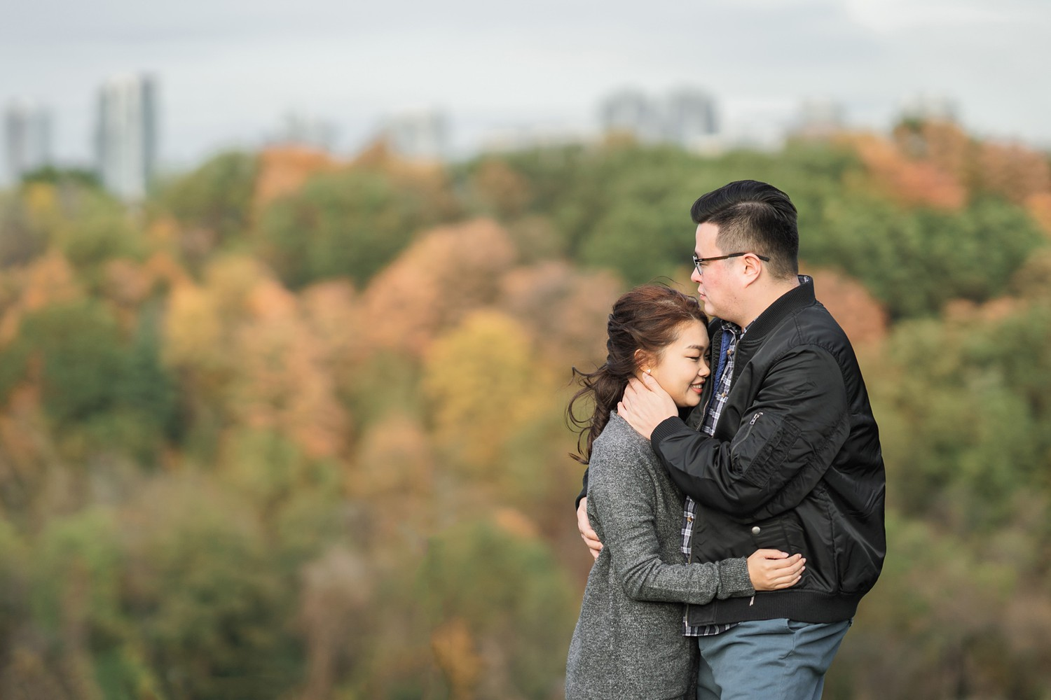 Fall_Colours_Toronto_Earl_Bales_Park_Forest_Fall_Engagement_Photos-Rhythm_Photography