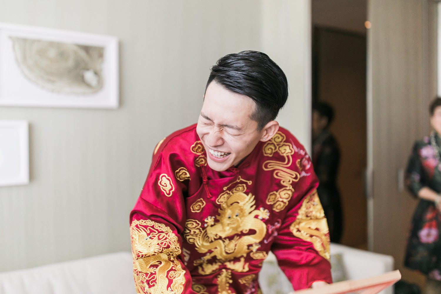 Chinese Door Games Luxury Yorkville Vinci Toronto Four Season Hotel Wedding Photos with Chinese Bride and Groom