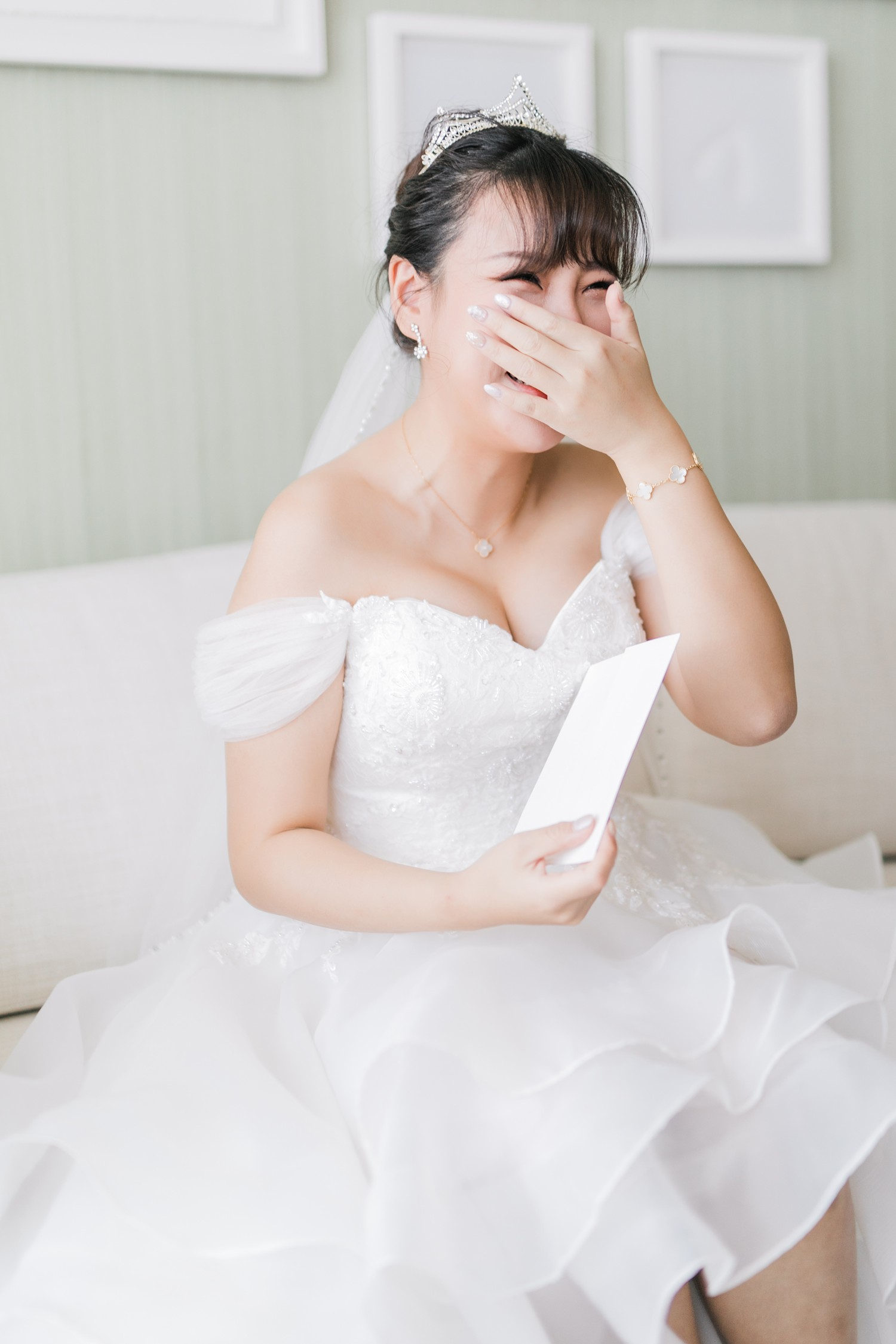 Crying Bride Luxury Yorkville Vinci Toronto Four Season Hotel Wedding Photos with Chinese Bride and Groom