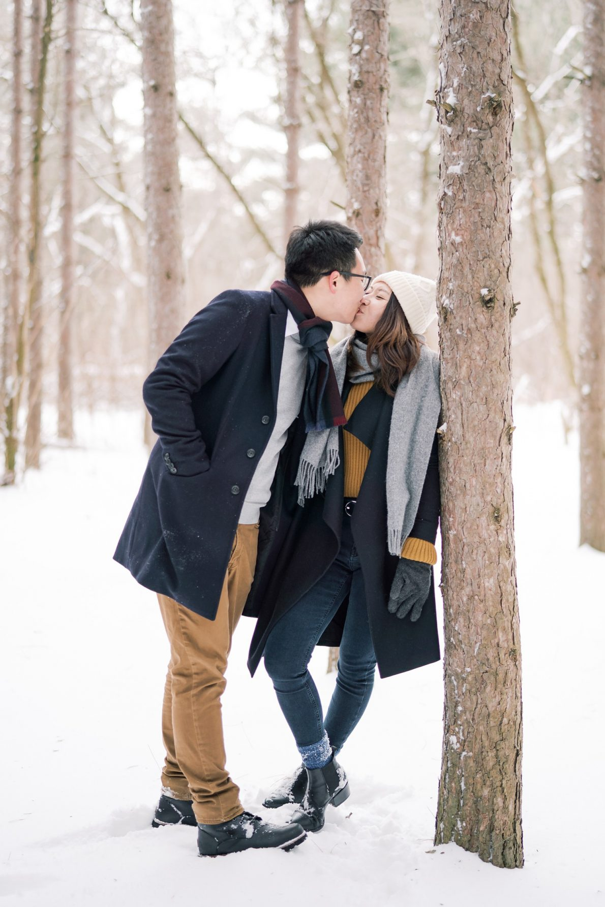 Romantic-Kortright_Conservation_Forest_Winter_Toronto_Engagement_Photos-Rhythm_Photography-042